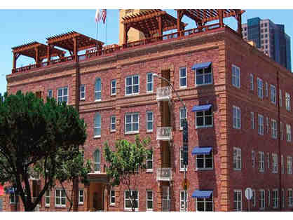 2 nights GASLAMP Downtown San Diego 4.5 star condo + SAIL/PLAY/STAY PACKAGE $795 VALUE