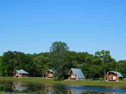 1 night couples getaway @ luxurious Serenity Springs Michigan City, 4.5 star + MORE!