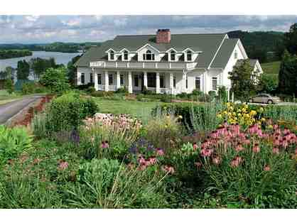 1 night @ Whitestone Country Inn Kingston, Tennessee luxury 4.5 star  + $100 FOOD CREDIT