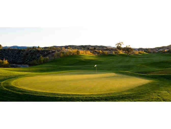 Enjoy Golf for 4 @ The Oaks Club at Valencia,Ca + $100 Food Credit