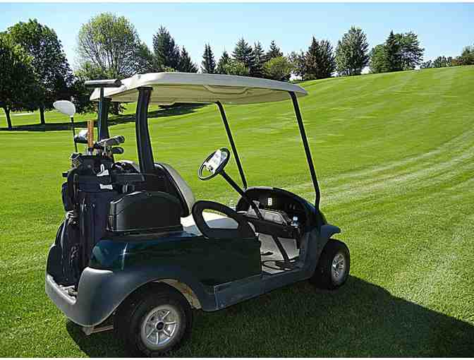 Enjoy Golf for 4 @ Lakewood Golf Club Lake Genva,WI + $100 Food Credit