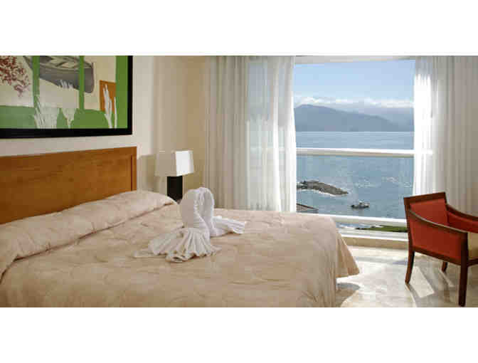 7 nights  luxurious resort Puerto Vallarta, tripadvisor 4 star  $1498 Value + $100 FOOD - Photo 2