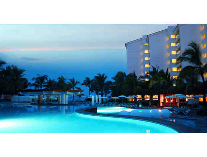 7 nights  luxurious resort Puerto Vallarta, tripadvisor 4 star  $1498 Value + $100 FOOD - Photo 4