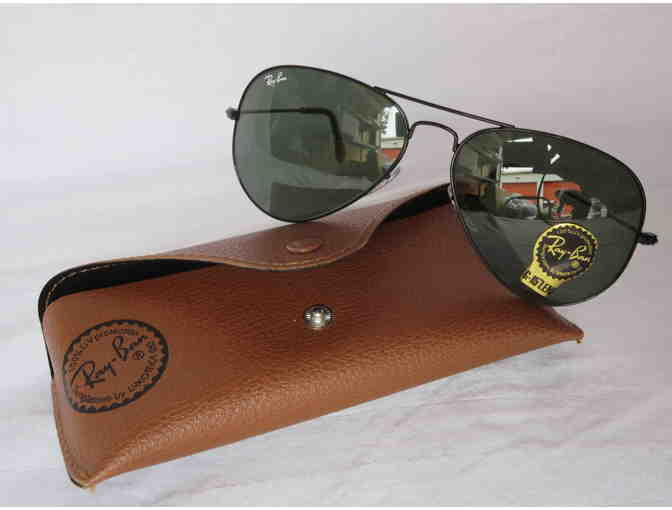 Ray Ban Aviator Sunglasses and Case