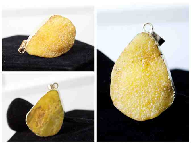 Druzy Pendant - Goldish