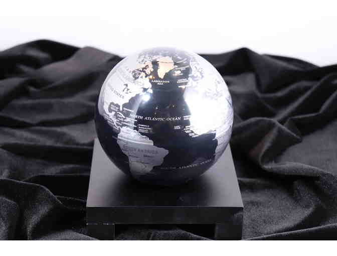 MOVA Globe - Black and Gray