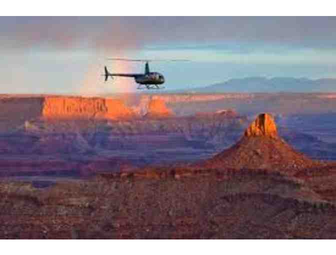 Back Country Arches Tour by Pinnacle Helicopter